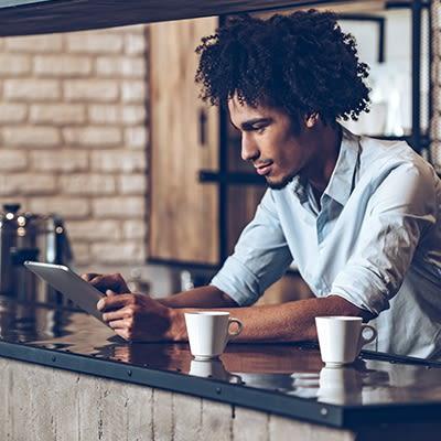 Quick-Service Restaurants (QSRs), Coffee Shops & Cafes